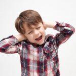 子供の中耳炎の主な症状は? 熱や頭痛に注意?